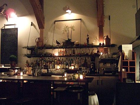 chezs_bar