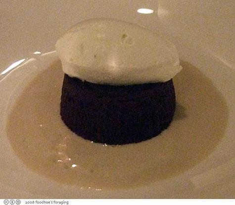 chezs_chocolatecake