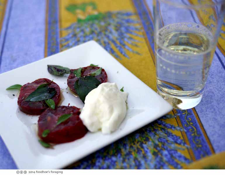 feastly_burrata_tomato
