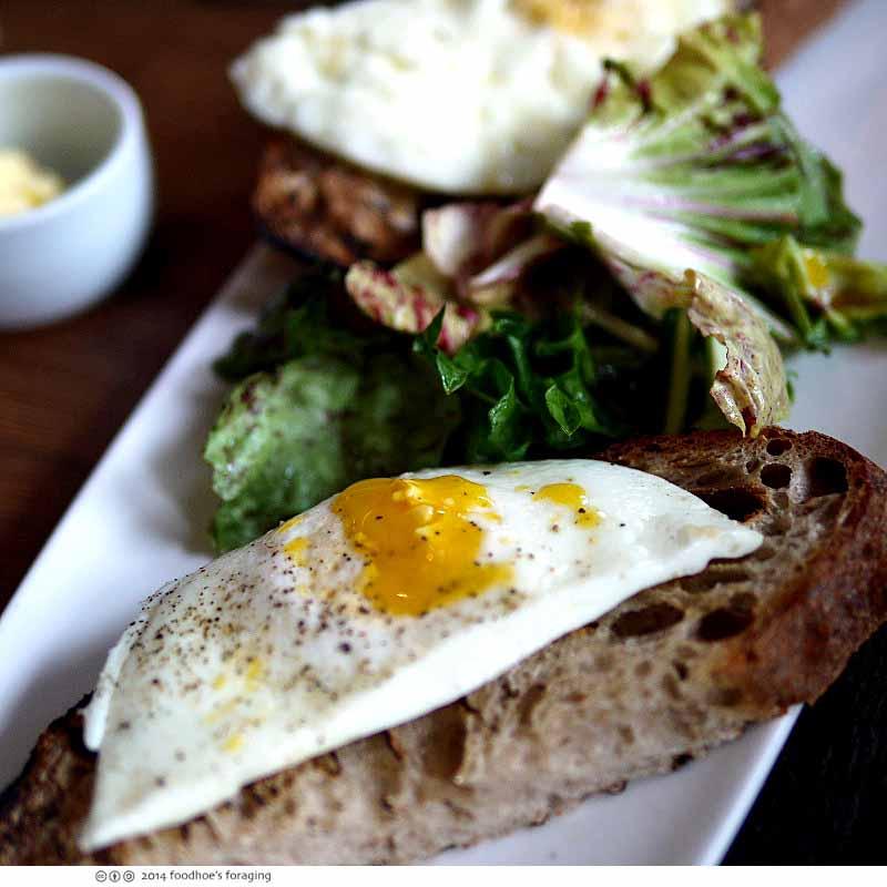 gat_eggs_toast